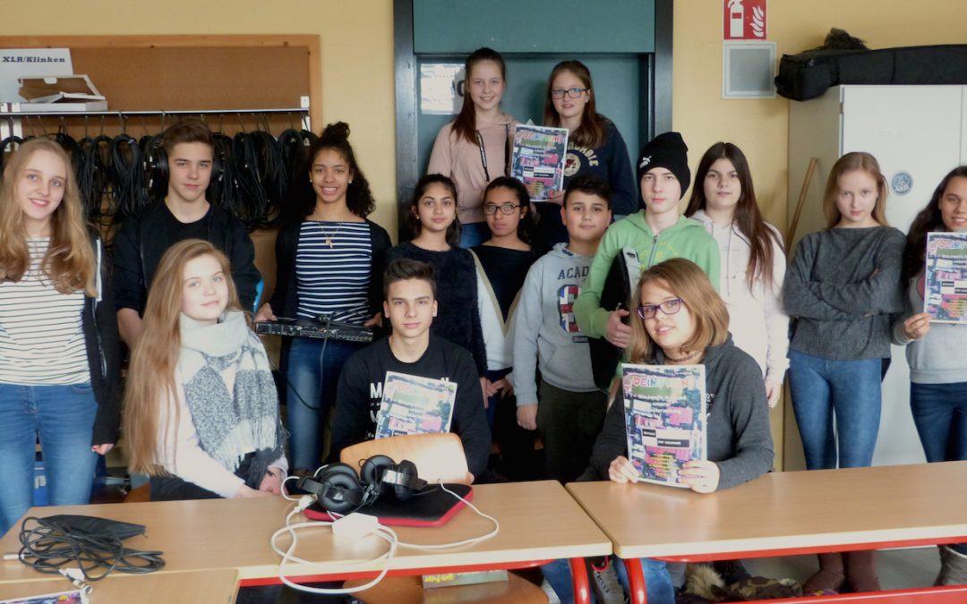"""Die Schülerzeitungs-AG """"Deinstein"""""""